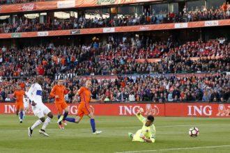 VIDEO: Robben zet Oranje op 1-0!