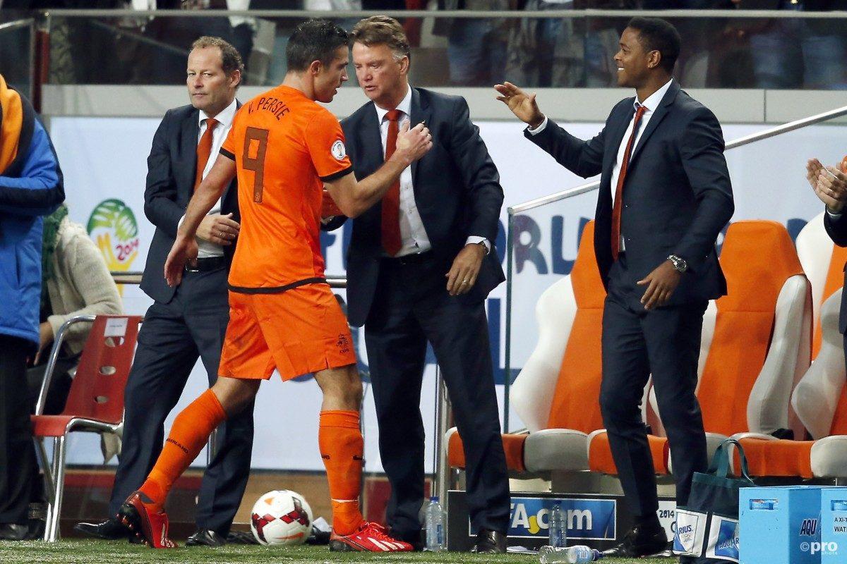 Van Persie:'Klaar voor Oranje, maar Blind belt niet'