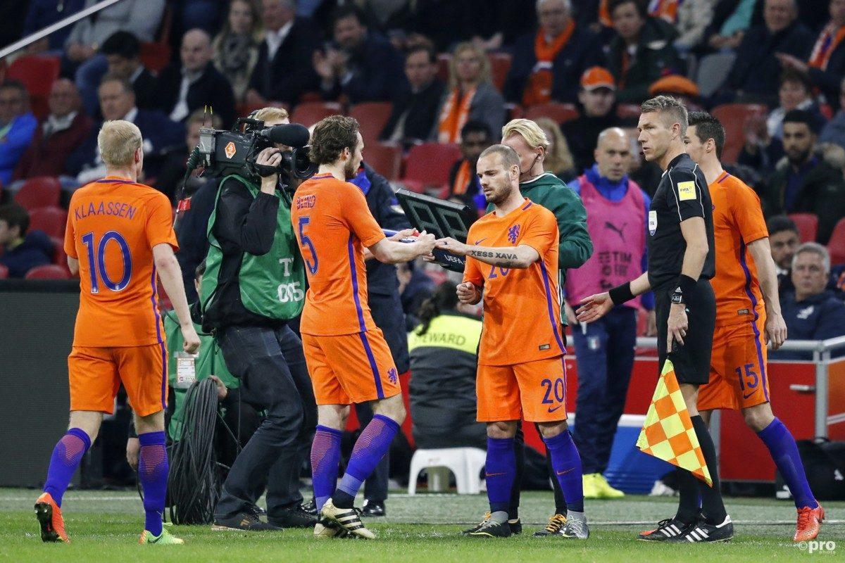 'Robben eist invalbeurt Sneijder van Grim'