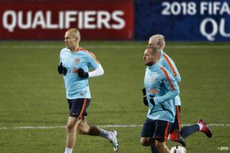 Robben meldt zich bij Oranje