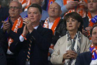 'Van Breukelen wil plaats maken voor Van Gaal'