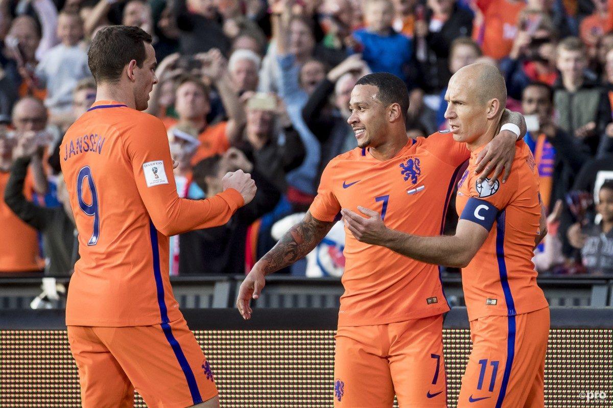 VIDEO: Janssen schiet Oranje op 5-0!