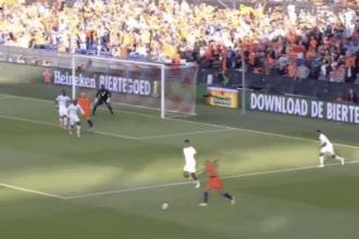 VIDEO: Veltman zet Oranje op 3-0 met zijn tweede