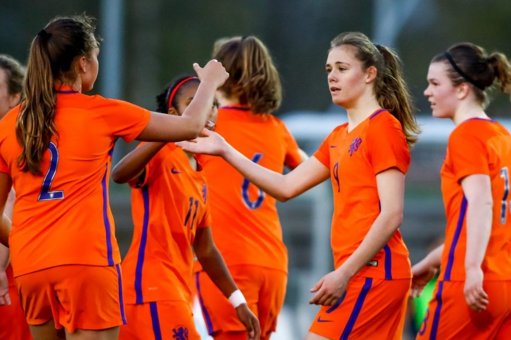 Vrouwen Onder 19 schrijft historie na behalen halve finale