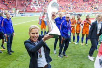Wiegman verlengt contract bij OranjeLeeuwinnen