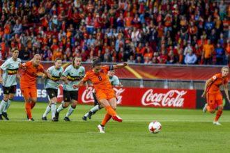 Oranjevrouwen oefenen tegen België