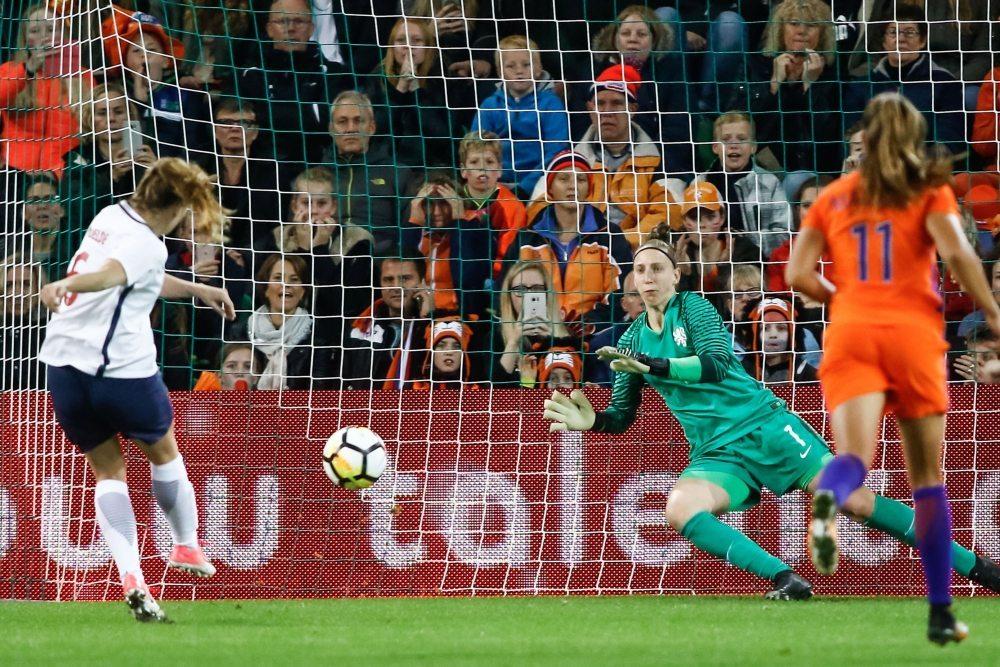 OranjeLeeuwinnen zonder sterkhouder tegen Slowakije
