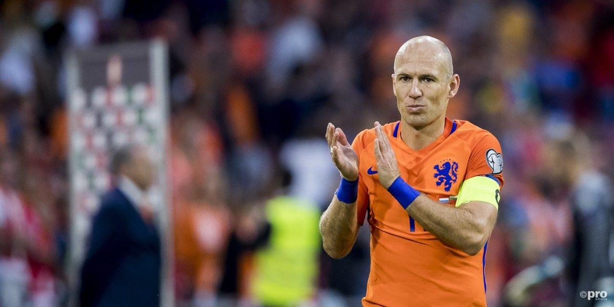 'Robben sluit terugkeer bij Oranje niet uit'
