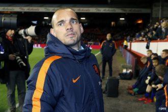 Sneijder baalt van vertrek Advocaat