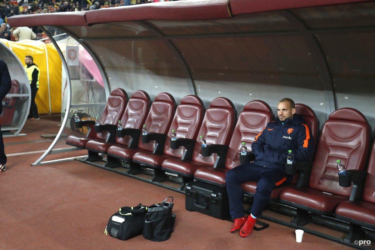 Sneijder: 'Ik blijf voorlopig beschikbaar'