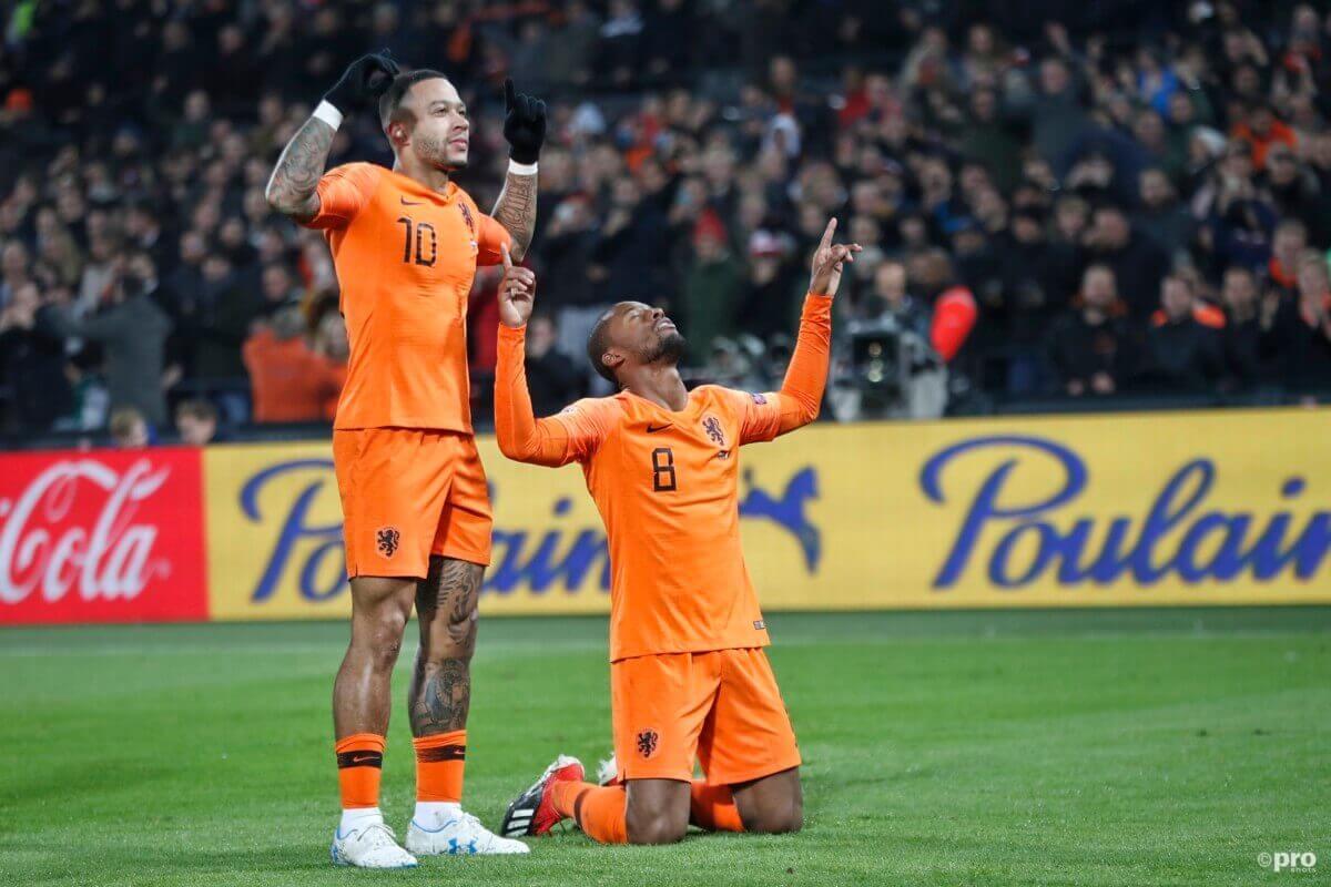 Depay en Wijnaldum tijdens Nederland - Frankrijk