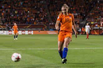 OranjeLeeuwinnen winnen overtuigend van Japan
