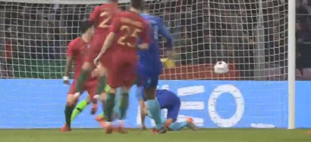 Van Dijk knalt Oranje op 3-0 tegen Portugal