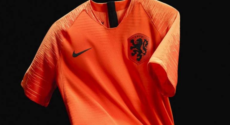 KNVB presenteert nieuwe Oranje-tenues
