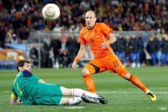 Acht jaar na 'de teen van Casillas'