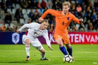 Koeman haalt Frenkie de Jong voor het eerst bij Oranje