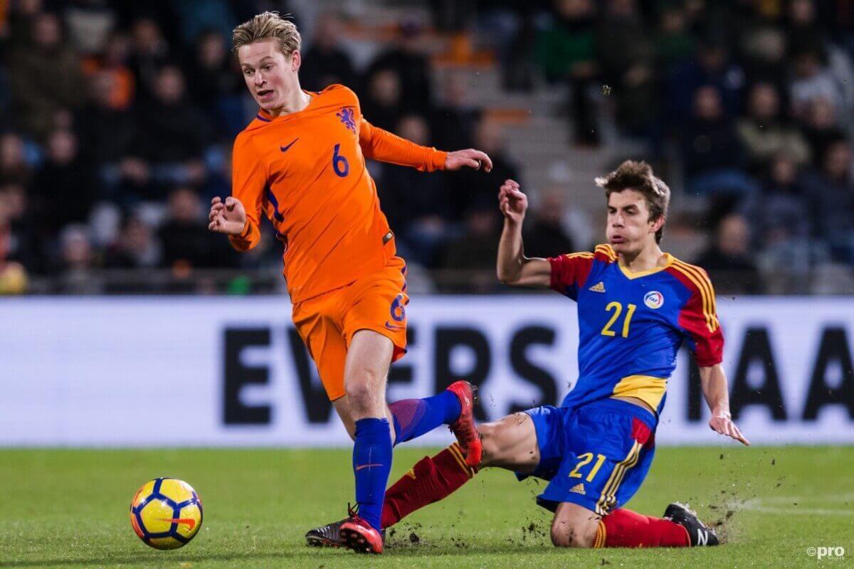 De Jong: 'Sneijder is veel beter dan ik'