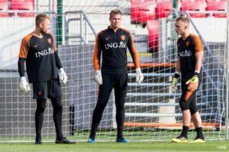 'Koeman wijst eerste doelman van Oranje aan'