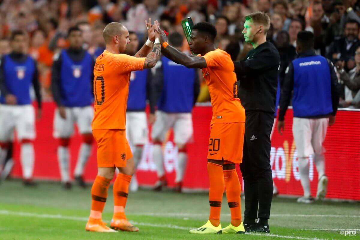 Oranje geeft Sneijder winnend afscheid