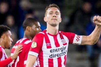 """Koeman verkiest De Jong boven Weghorst: """"Zijn kans komt wel"""""""