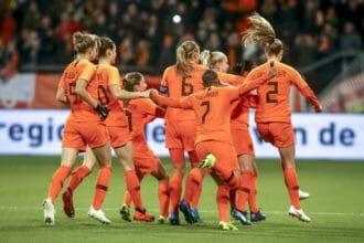 OranjeLeeuwinnen openen EK-kwalificatiereeks in Estland