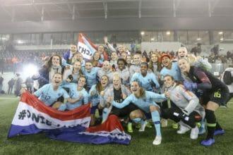 KNVB overweegt uitzwaaiwedstrijd in De Kuip of Johan Cruijff Arena