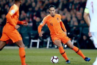 Van Dijk en Van Gaal aanwezig bij WK-finale