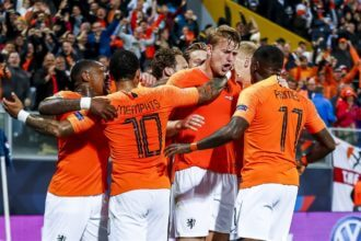 Oranje staat in finale Nations League na zege op Engeland
