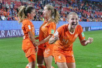 Wie vallen er ten prooi aan de Oranje Leeuwinnen?