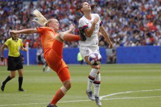 """Van der Gragt: """"De penalty is misschien wat makkelijk gegeven"""""""