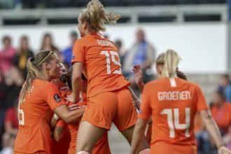 Oranje Leeuwinnen openen kwalificatiereeks met ruime zege
