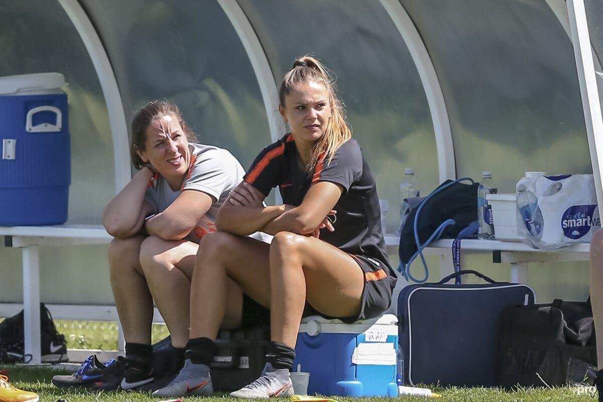 Lieke Martens mist de eerste wedstrijd