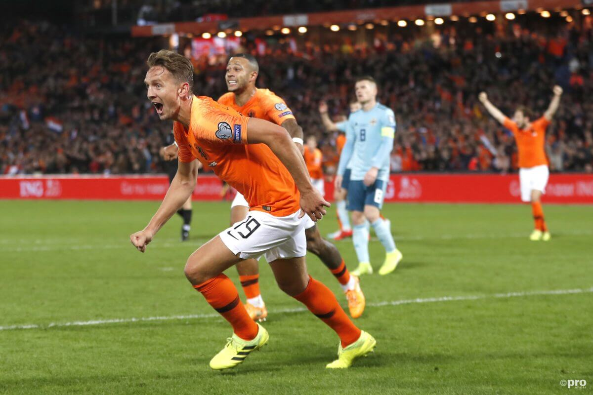 Luuk de Jong maakt 2-1 tegen Noord-Ierland
