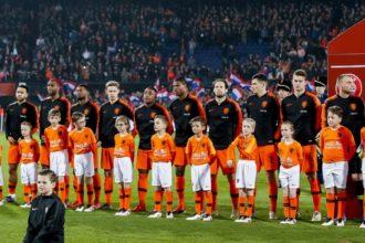 De opstelling voor Nederland – Bosnië en Herzegovina