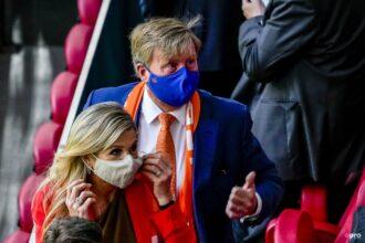 Buitenlandse media: 'Oranje laat koning juichen'