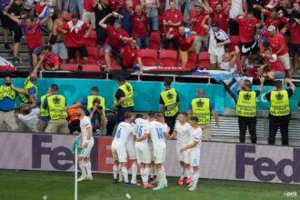 Schick schiet Oranje op kansloze 2-0 achterstand