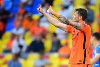 Weghorst zet Oranje op 2-0!
