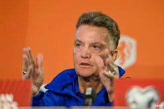 'Als WK gehaald is kan Van Gaal aan nieuw systeem werken'