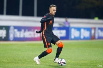 Van Gaal over debutant Lang: 'Dat is toch ongelooflijk'