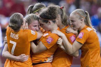 Achtste finale Oranje binnen handbereik na gelijkspel