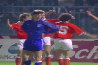 Deze lekkere goal maakte Blind tegen Griekenland