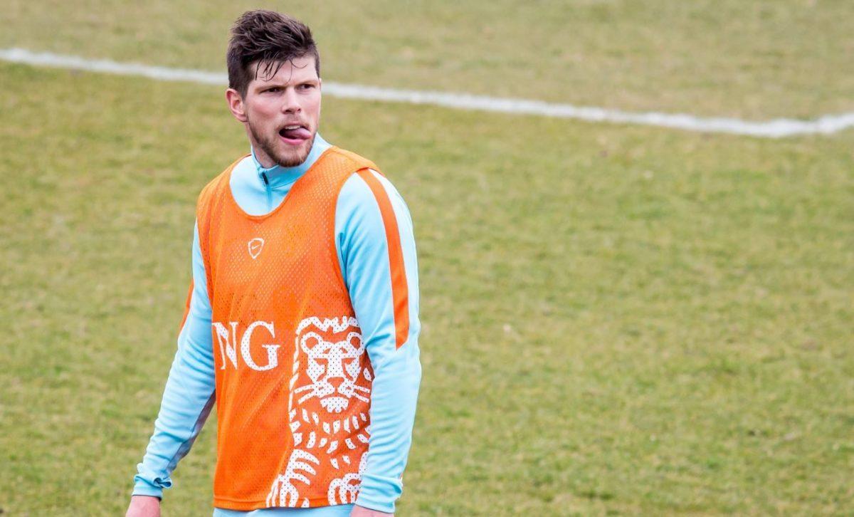 Klaas Jan Huntelaar is niet blij met zijn reserve rol