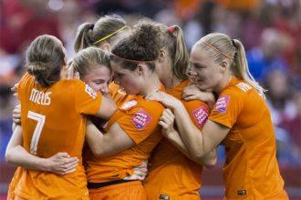 oranje-vrouwen-door-naar-achtste-finale-wk