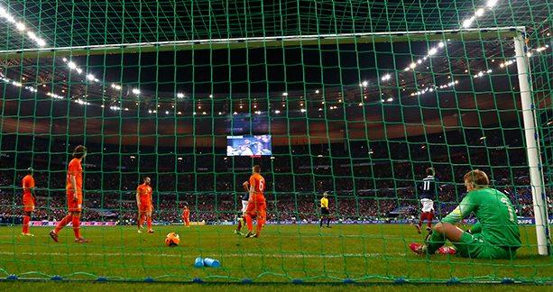 Oranje na een doelpunt van Frankrijk. ©Pro Shots