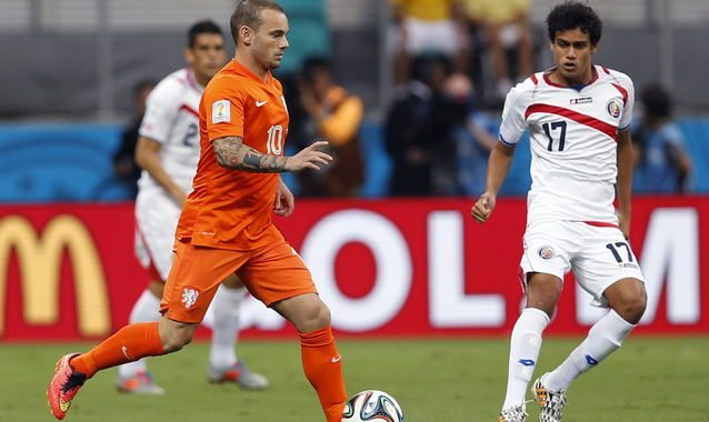 Nederland verslaat Costa Rica na penalty's