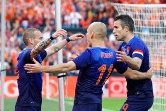 Nederland plaatst zich voor achtste finale WK 2014