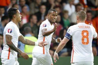 Oranje begint met zware uitwedstrijd