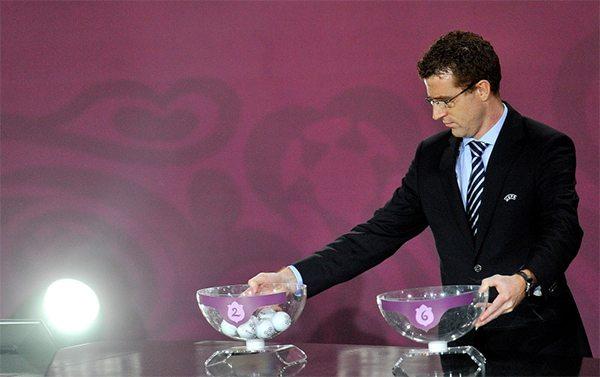 De loting voor het EK van 2012. ©Pro Shots