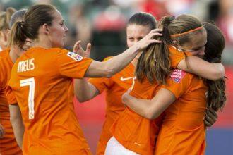Oranje-vrouwen winnen eerste WK-duel