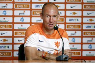 Robben: 'Ik maak nu de opstelling'